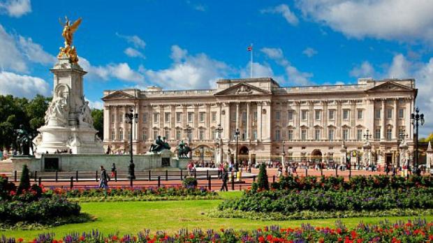 palatul-buckingham-cauta-guvernanta-aflati-ce-conditii-trebuie-sa-indeplinesca